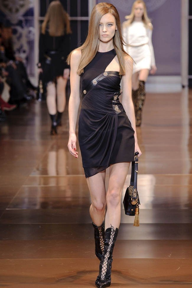 MILAN FASHION WEEK Versace RTW Fall 2014. www.imageamplified.com, Image Amplified (14)
