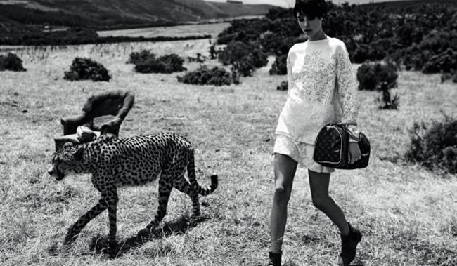 CAMPAIGN Karen Elson & Edie Campbell for Louis Vuitton's Spirit Of Travel Spring 2014 by Peter Lindbergh. Carine Roitfeld, www.imageamplified.com, Image Amplified (4)