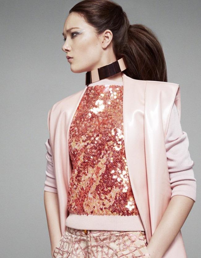 VOGUE CHINA Yumi Lambert in A Twist of Pink by Greg Kadel. Bobette Cohn, March 2014, www.imageamplified.com, Image Amplified (2)