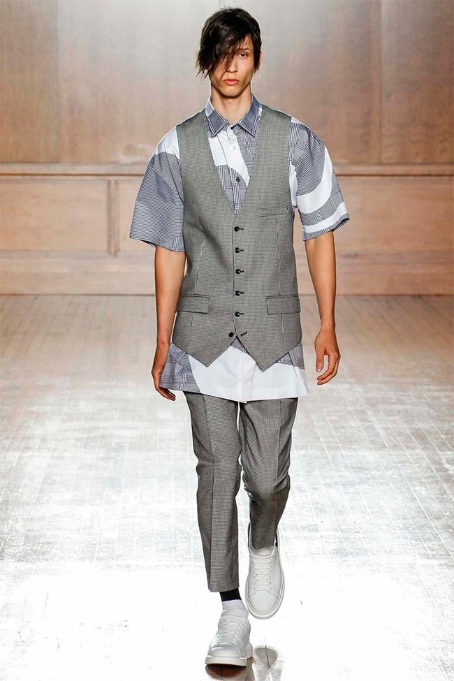 LONDON COLLECTIONS MEN Alexander McQueen Spring 2015. www.imageamplified.com, Image Amplified (2)
