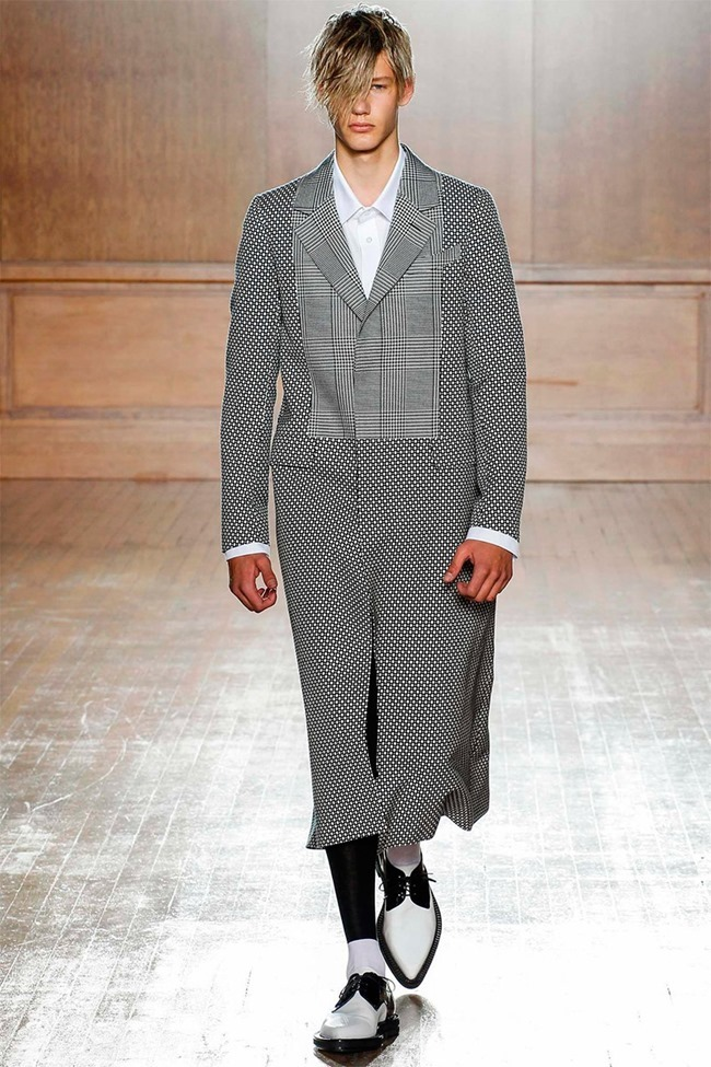LONDON COLLECTIONS MEN Alexander McQueen Spring 2015. www.imageamplified.com, Image Amplified (3)