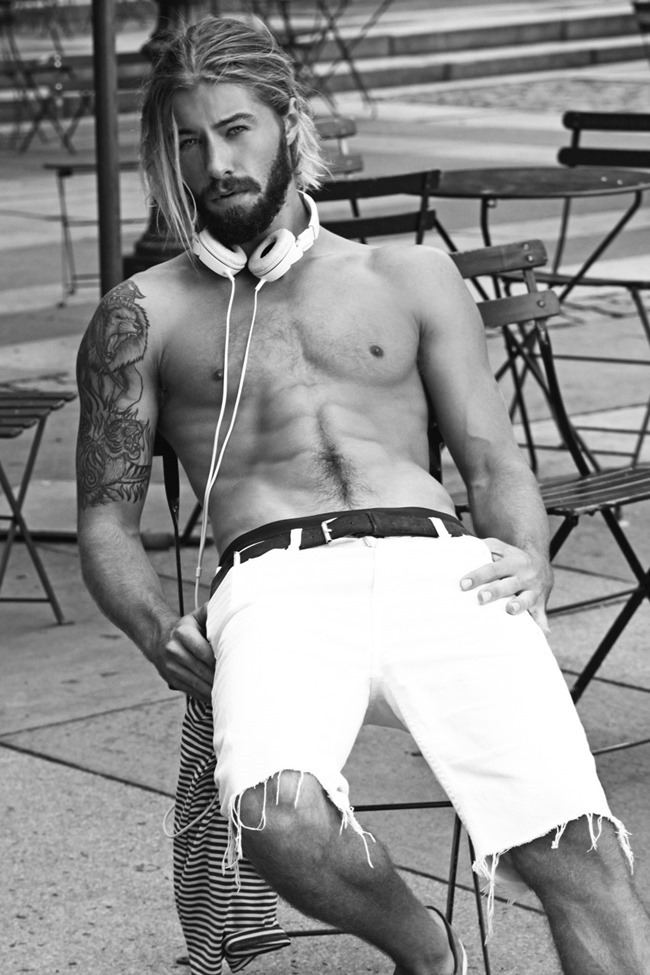 MASCULINE DOSAGE Austin Davis by Thomas Synnamon. Summer 2014, www.imageamplified.com, Image Amplified (6)