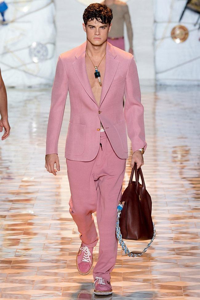 MILAN FASHION WEEK Versace Spring 2015. www.imageamplified.com, Image Amplified (3)