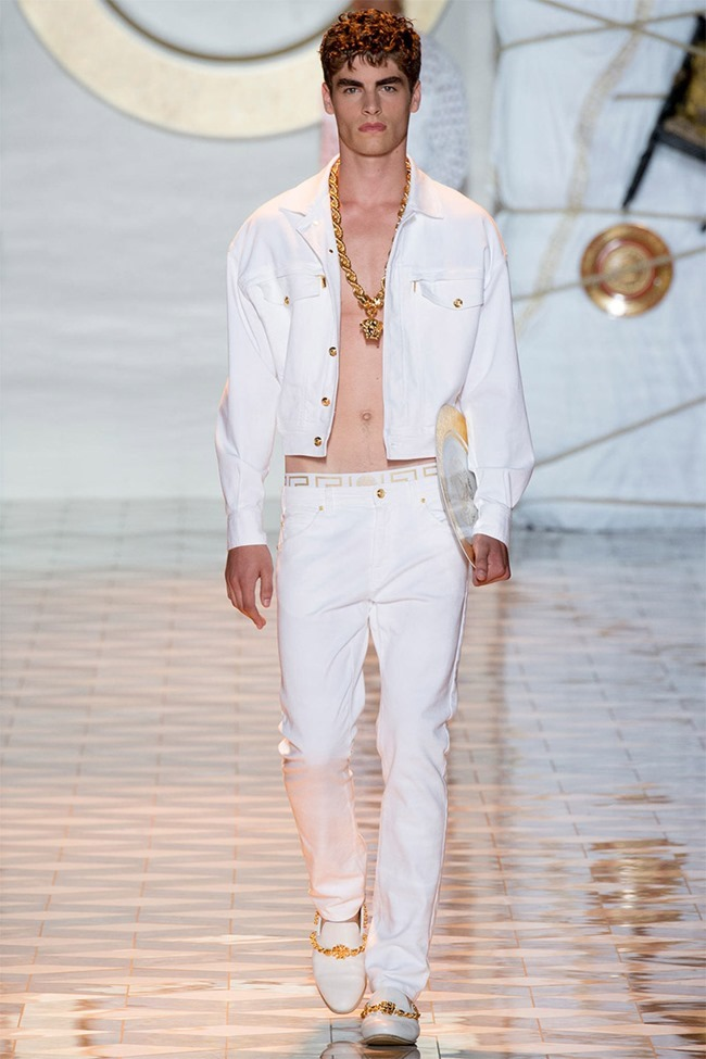 MILAN FASHION WEEK Versace Spring 2015. www.imageamplified.com, Image Amplified (13)