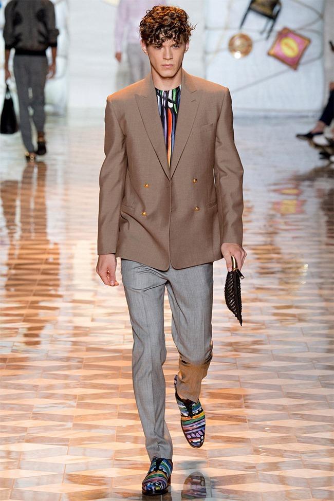MILAN FASHION WEEK Versace Spring 2015. www.imageamplified.com, Image Amplified (34)