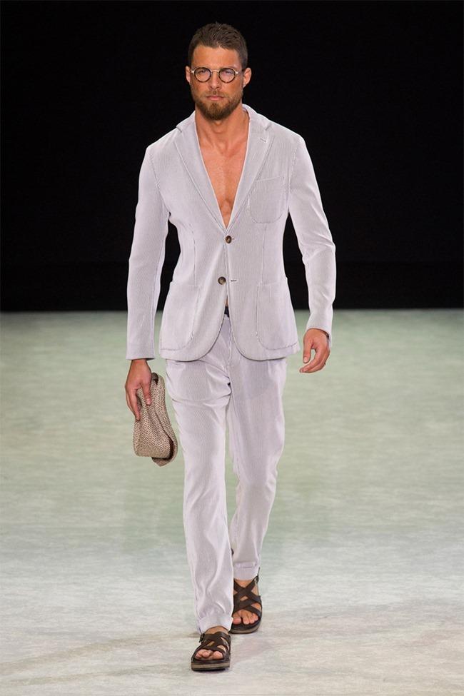 MILAN FASHION WEEK Giorgio Armani Spring 2015. www.imageamplified.com, Image Amplified (51)
