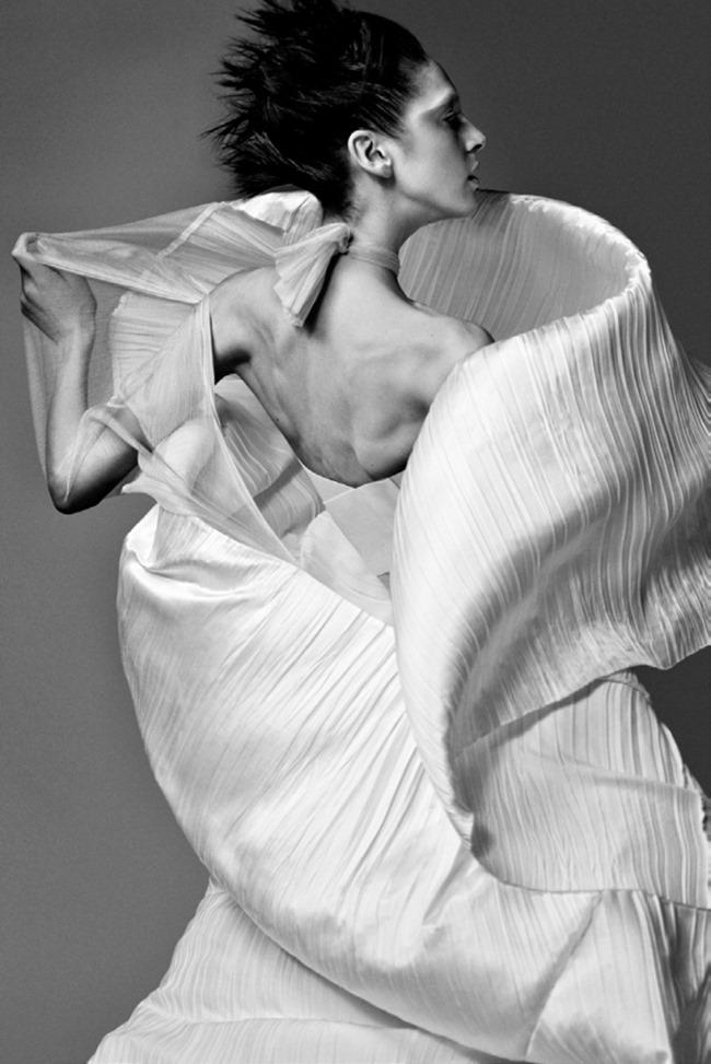 VOGUE ITALIA Saskia de Brauw by Craig McDean. Karl Templer, February 2014, www.imageamplified.com, Image Amplified (9)