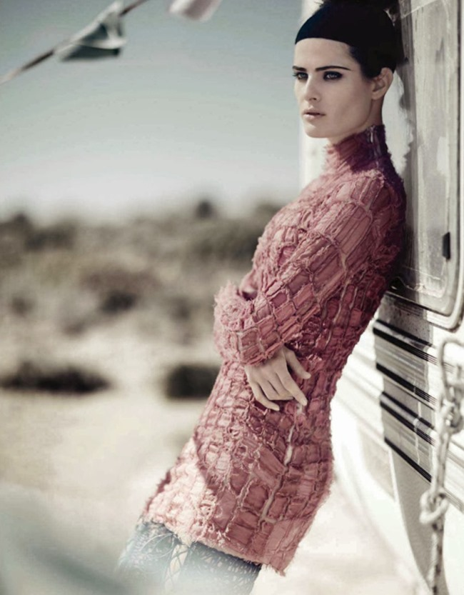 VOGUE CHINA Isabeli Fontana in Desert Song by Boo George. Beat Bollinger, April 2014, www.imageamplified.com, Image Amplified (2)