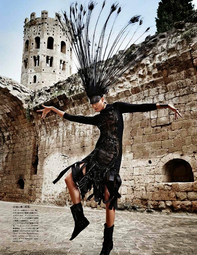 VOGUE JAPAN Magdalena Frackowiak in Ancient Songs Of Paradise by Giampaolo Sgura. Anna Dello Russo, May 2014, www.imageamplified.com, Image amplified (9)