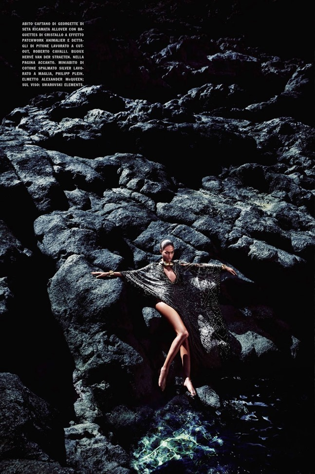 VOGUE ITALIA Joan Smalls in Shining by Solve Sundsbo. Anastasia Barbieri, May 2014, www.imageamplified.com, Image Amplified (4)
