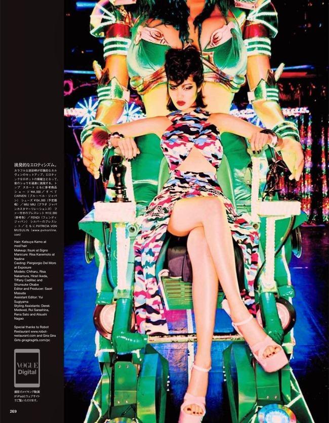 VOGUE JAPAN Tokyo Neon Girls by Ellen von Unwerth. Elizabeth Sulcer, July 2014, www.imageamplified.com, Image amplified (1)