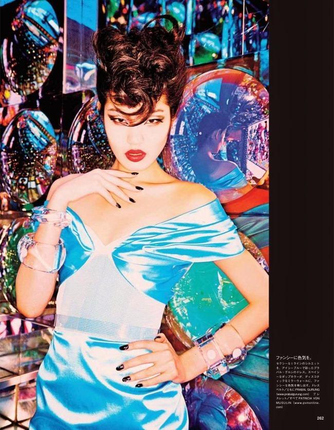 VOGUE JAPAN Tokyo Neon Girls by Ellen von Unwerth. Elizabeth Sulcer, July 2014, www.imageamplified.com, Image amplified (8)