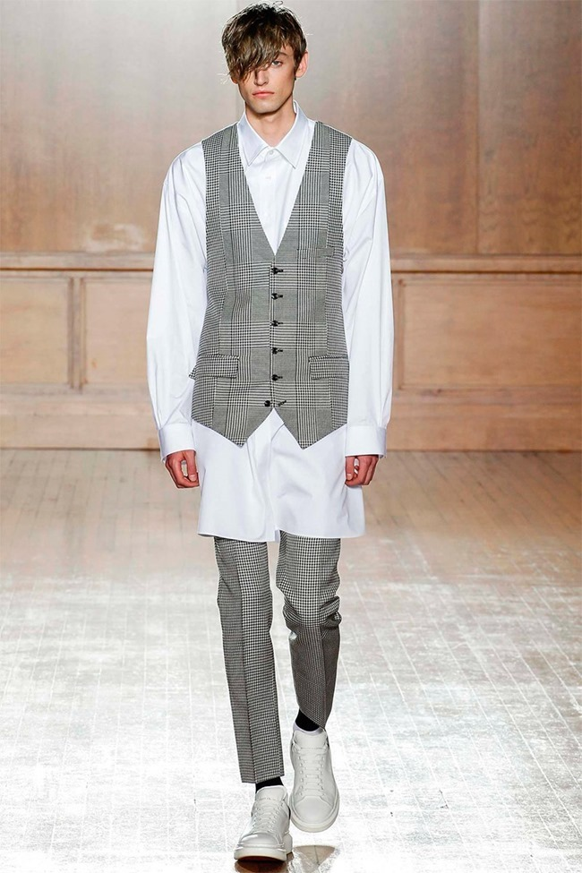 LONDON COLLECTIONS MEN Alexander McQueen Spring 2015. www.imageamplified.com, Image Amplified (5)
