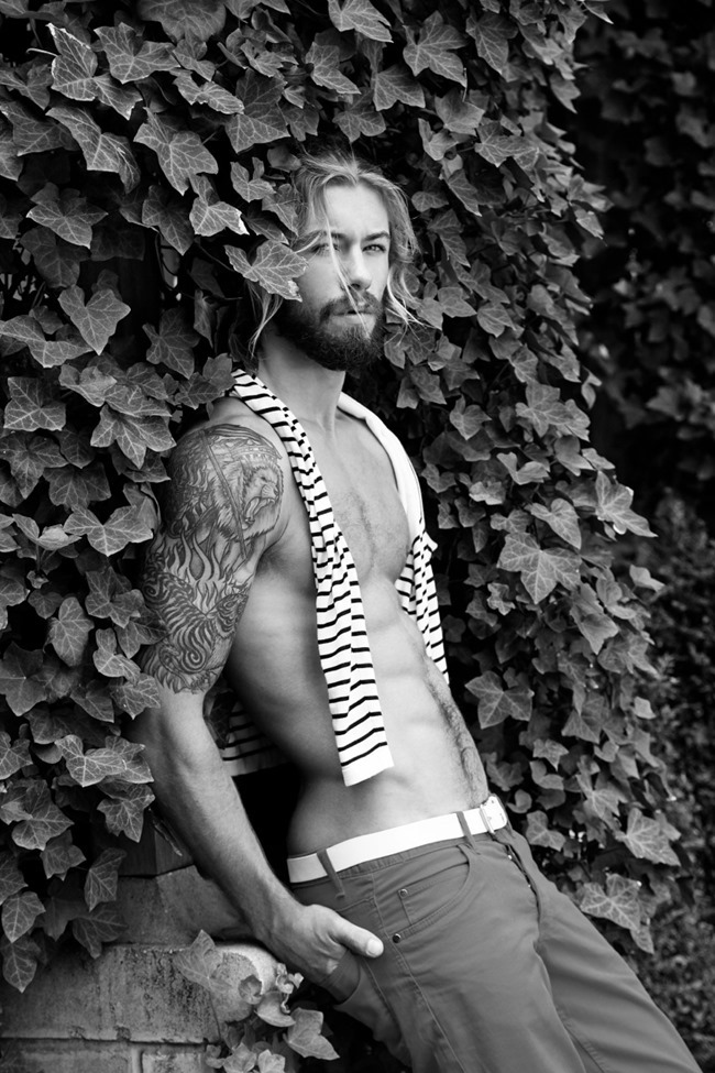 MASCULINE DOSAGE Austin Davis by Thomas Synnamon. Summer 2014, www.imageamplified.com, Image Amplified (1)