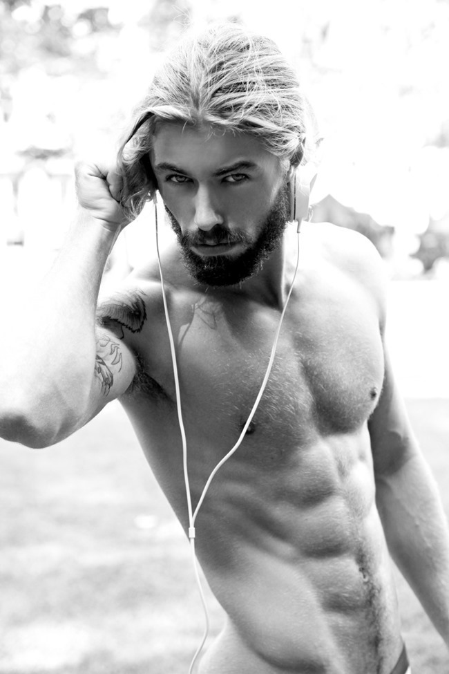 MASCULINE DOSAGE Austin Davis by Thomas Synnamon. Summer 2014, www.imageamplified.com, Image Amplified (4)