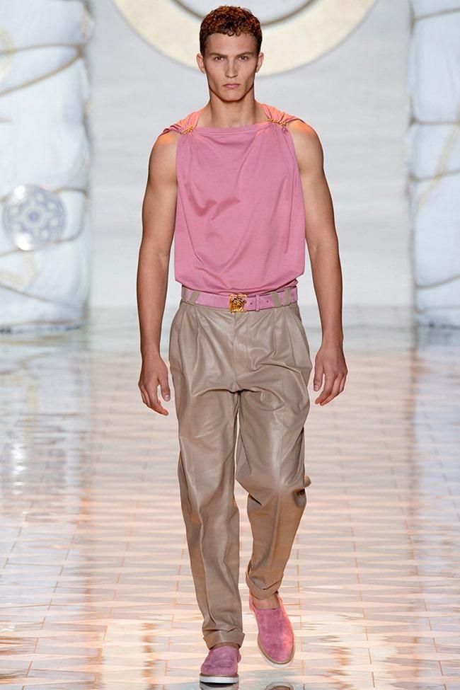 MILAN FASHION WEEK Versace Spring 2015. www.imageamplified.com, Image Amplified (2)
