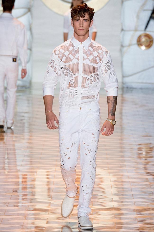 MILAN FASHION WEEK Versace Spring 2015. www.imageamplified.com, Image Amplified (15)