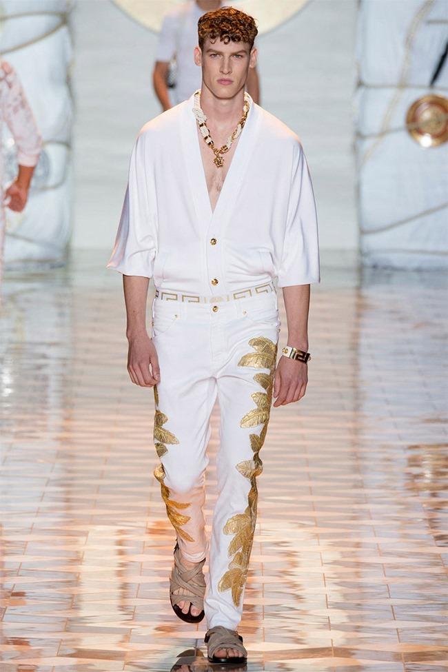 MILAN FASHION WEEK Versace Spring 2015. www.imageamplified.com, Image Amplified (17)