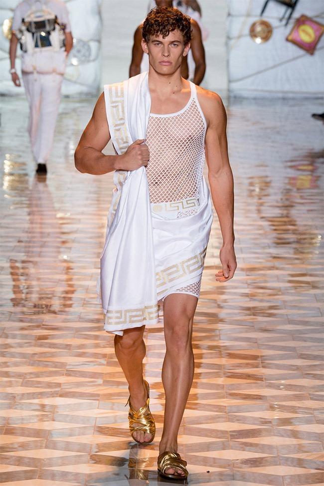 MILAN FASHION WEEK Versace Spring 2015. www.imageamplified.com, Image Amplified (20)