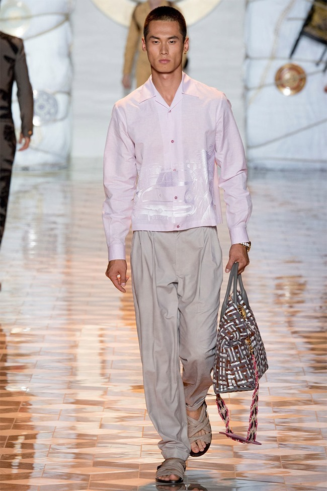 MILAN FASHION WEEK Versace Spring 2015. www.imageamplified.com, Image Amplified (36)