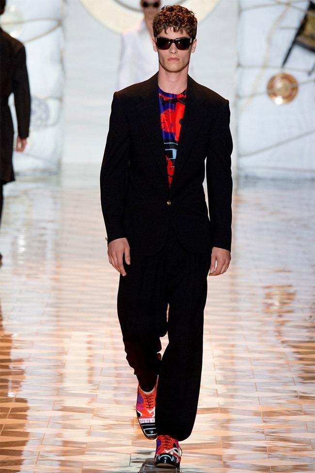 MILAN FASHION WEEK Versace Spring 2015. www.imageamplified.com, Image Amplified (43)