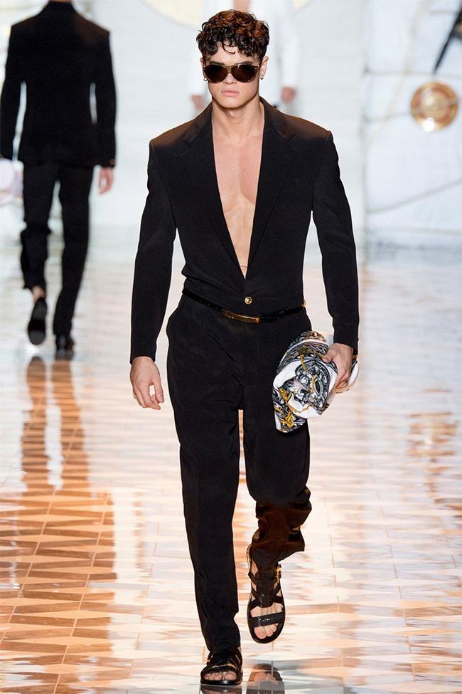 MILAN FASHION WEEK Versace Spring 2015. www.imageamplified.com, Image Amplified (48)