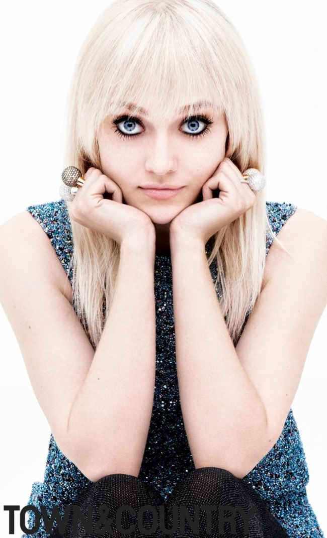 TOWN & COUNTRY MAGAZINE Dakota Fanning by Daniel Jackson. August 2014, www.imageamplified.com, Image Amplified (3)