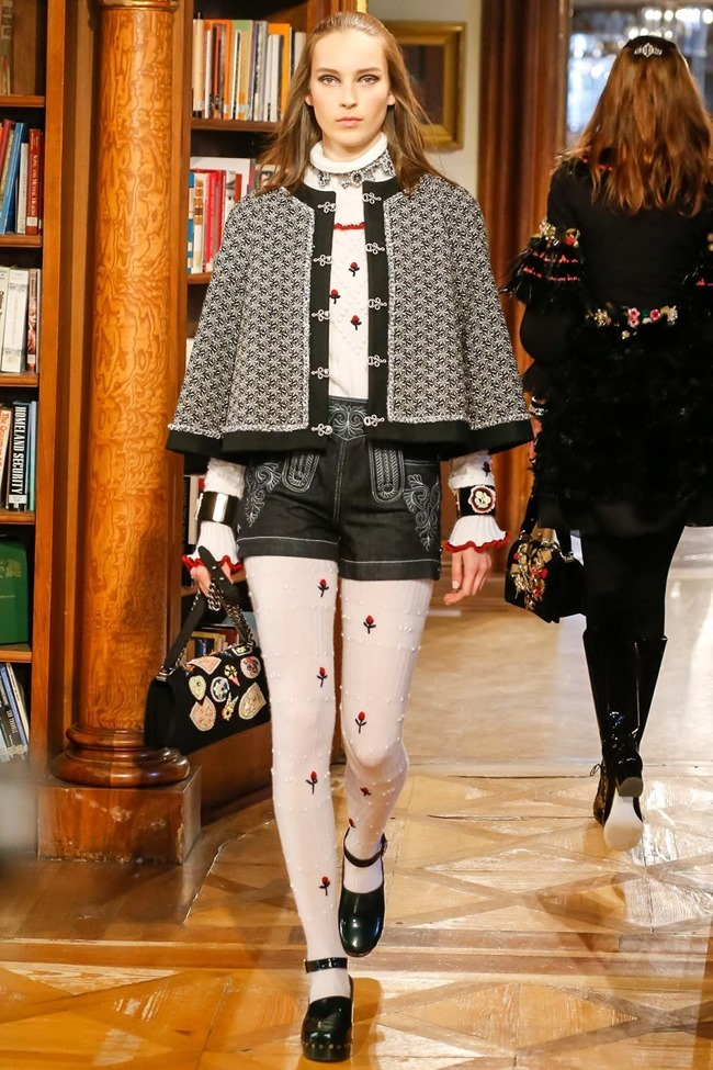 COLLECTION Chanel Pre-Fall 2015. www.imageamplified.com, Image Amplified (51)