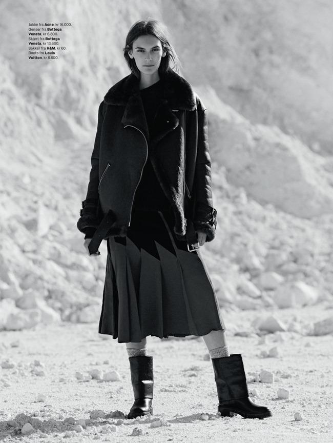 ELLE NORWAY Fia Ljungstrom by Hordur Ingason. Ellen Lofts, January 2015, www.imageamplified.com, Image Amplified (2)