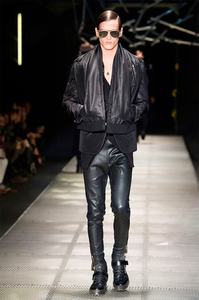 MILAN FASHION WEEK Versace Fall 2015. www.imageamplified.com, Image Amplified (11)