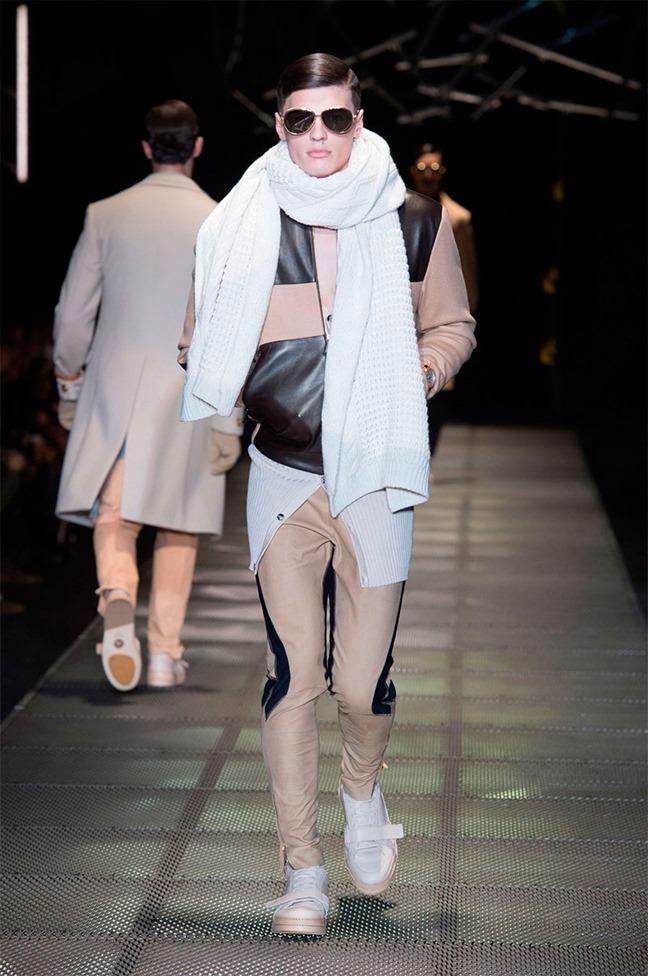 MILAN FASHION WEEK Versace Fall 2015. www.imageamplified.com, Image Amplified (28)