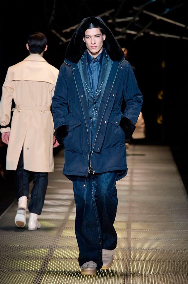 MILAN FASHION WEEK Versace Fall 2015. www.imageamplified.com, Image Amplified (30)