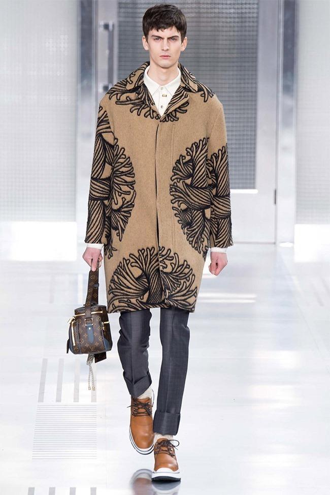 PARIS FASHION WEEK Louis Vuitton Fall 2015. www.imageamplified.com, Image Amplified (2)