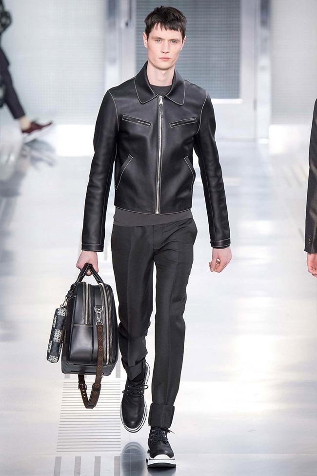 PARIS FASHION WEEK Louis Vuitton Fall 2015. www.imageamplified.com, Image Amplified (29)