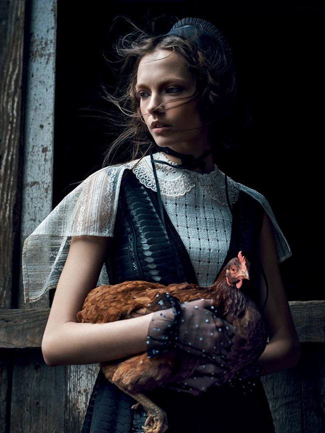 VOGUE RUSSIA Mina Cvetkovic by Nathaniel Goldberg. Natasha Royt, March 2015, www.imageamplified.com, Image Amplified (1)