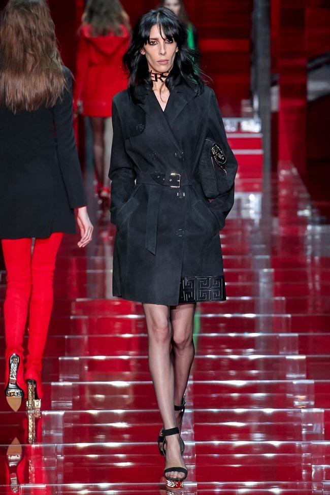 MILAN FASHION WEEK Versace Fall 2015. www.imageamplified.com, Image Amplified (26)