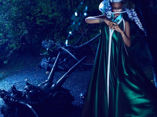 HARPER'S BAZAAR CHINA Rihanna by Chen Man. April 2015, www.imageamplified.com, Image Amplified (9)