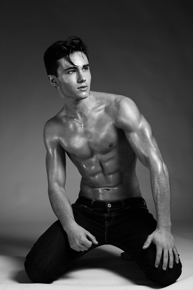 MASCULINE DOSAGE Enzo Carini by Alexandre Eustache. Spring 2015, www.imageamplified.com, Image Amplified (3)