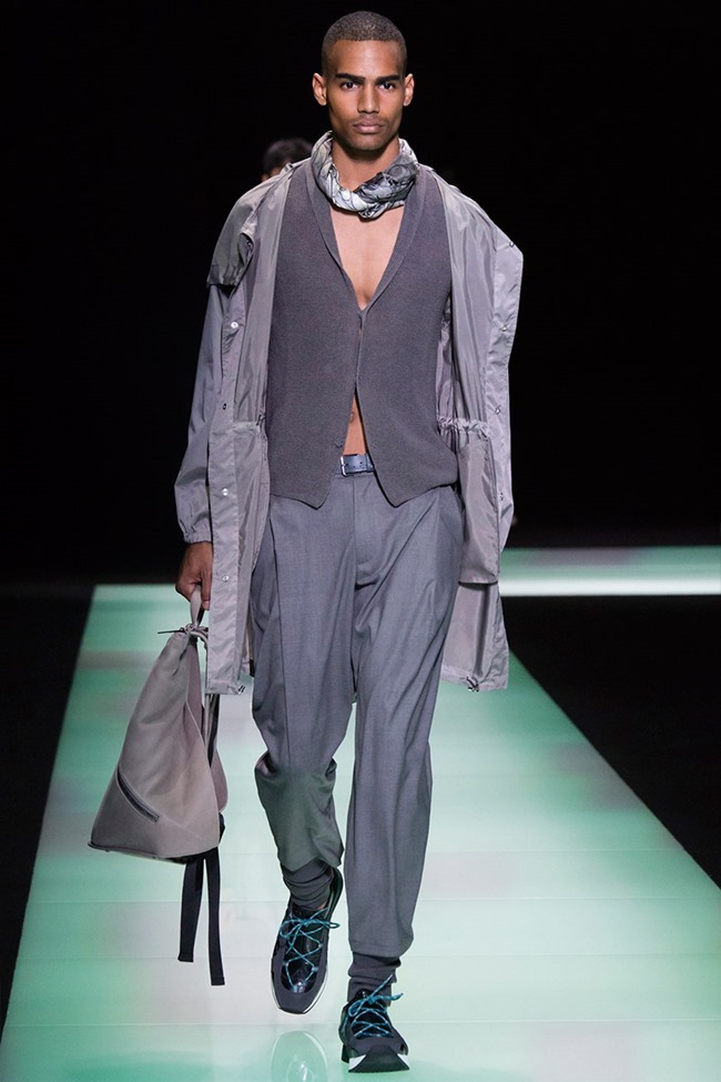 MILAN FASHION WEEK Emporio Armani Spring 2016. www.imageamplified.com, Image Amplified (18)
