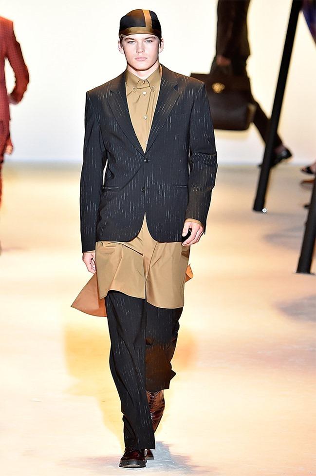 MILAN FASHION WEEK Versace Spring 2016. www.imageamplified.com, Image Amplified (4)