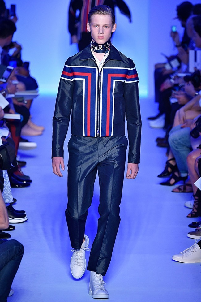PARIS FASHION WEEK Louis Vuitton Spring 2016. www.imageamplified.com, Image Amplified (14)
