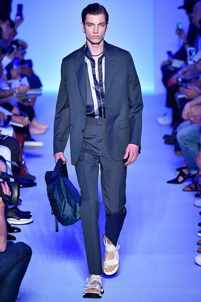 PARIS FASHION WEEK Louis Vuitton Spring 2016. www.imageamplified.com, Image Amplified (24)