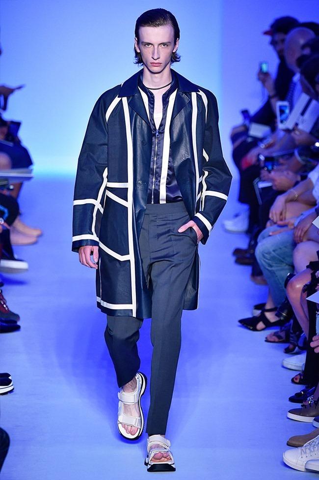 PARIS FASHION WEEK Louis Vuitton Spring 2016. www.imageamplified.com, Image Amplified (25)