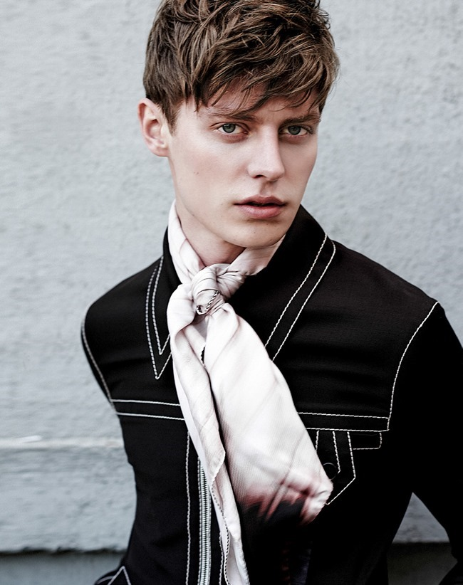 ESSENTIAL HOMME Janis Ancens by Kevin Sinclair. Summer 2015, www.imageamplified.com, Image Amplified (7)