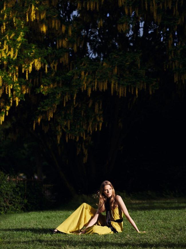 VOGUE CHINA Alisa Ahmann by Horst Diekgerdes. Konca Aykan, August 2015, www.imageamplified.com, Image Amplified (8)