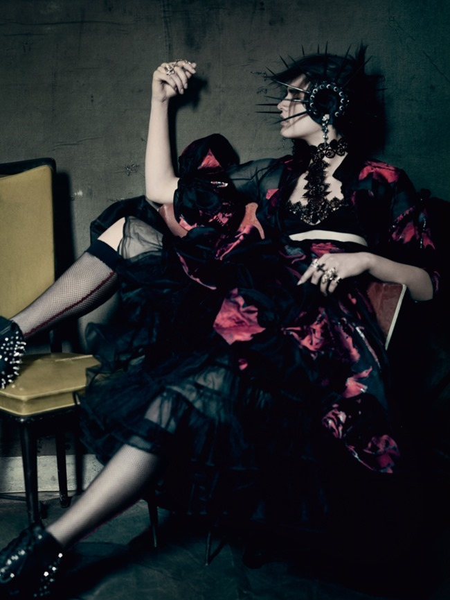 VOGUE UK The Shining by Paolo Roversi. Lucinda Chambers, September 2015, www.imageamplified.com, Image Amplified (7)