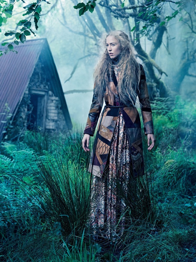 VOGUE MAGAZINE Raquel Zimmermann by Mikael Jansson. Tabitha Simmons, September 2015, www.imageamplified.com, Image amplified (1)