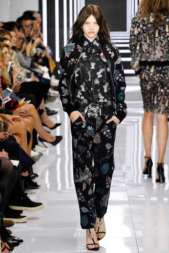 LONDON FASHION WEEK Versus Versace Spring 2016. www.imageamplified.com, Image Amplified (42)
