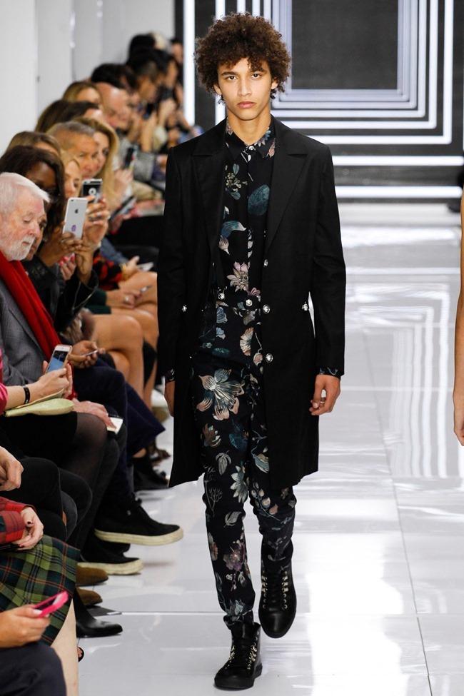 LONDON FASHION WEEK Versus Versace Spring 2016. www.imageamplified.com, Image Amplified (43)