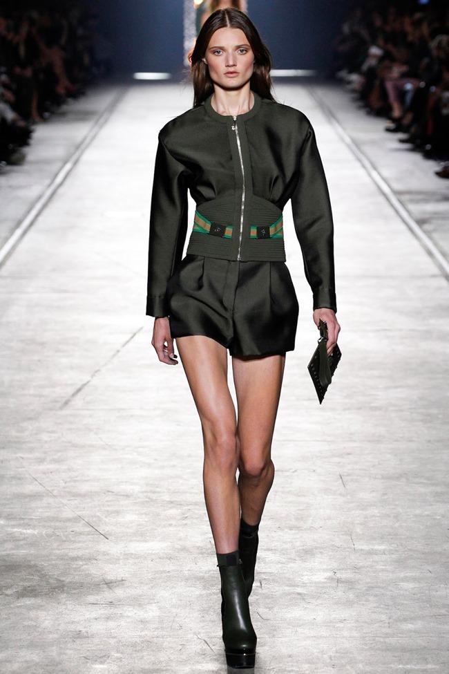 MILAN FASHION WEEK Versace Spring 2016. www.imageamplified.com, Image Amplified (7)